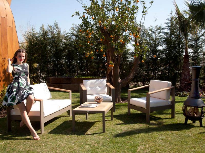 Moderna Sofa Set